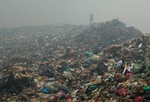 More than 2000 tons of garbage are dumped each day at the landfill Mbeubeuss in Dakar, Senegal. It is considered as one of the biggest open rubbish dumps in the world.