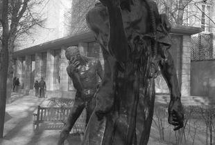 Les statues ne veulent pas poser