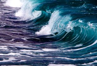 SEA. WAVES. ENERGY. DIFFUSION. REPETITION.