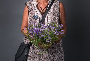 Amy Klose, flower seller