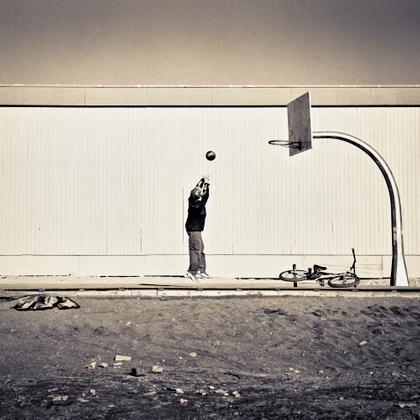 Shooting Hoops, Tuk