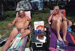Drinking Franzia / Swingstock / Black River Falls, WI / July 2003