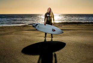 HEATHER, SURFER