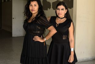 Amigas in black © Antonio Pulgarin