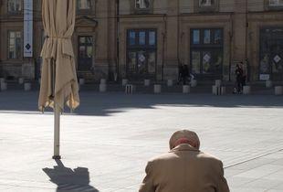 Le vieux et son ombre