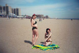 Pin-up Girls, Coney Island, Brooklyn, 2007.