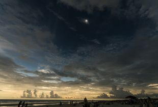 Totality on the beach