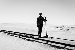 'Worker between Aus and Lüderitz'