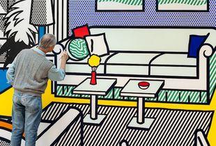 Roy in Yellow Interior, 1991, from the series Inside Roy Lichtenstein's Studio © Laurie Lambrecht, 1990-1992