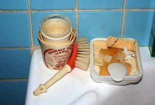 Bathroom Scene (Brush), October 2005
