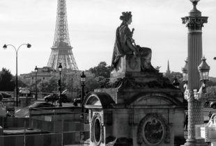 Marseille Place de la Concorde aux côtés de la Dame de Fer