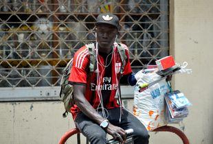 Le vendeur de rue