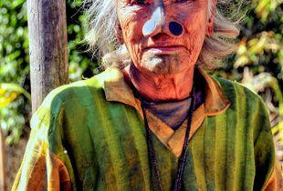 woman Apatani