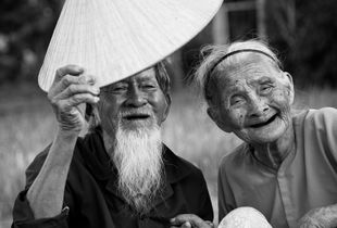 The old farmer couple