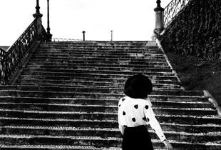 woman in stairs
