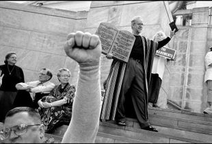Fundamentalist Christians display the Ten Commandments at the rally in front of the State Supreme Court. Montgomery, Alabama, USA. © ABBAS / MAGNUM PHOTOS