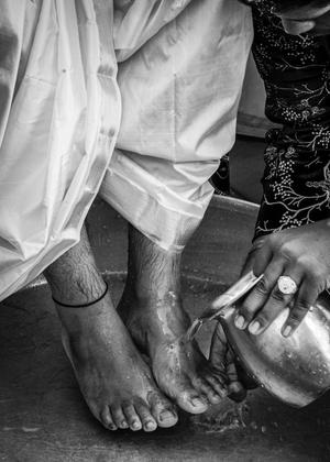 Washing of the groom's feet