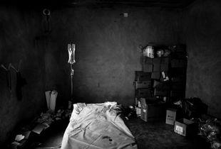 © Maciej Moskwa/TESTIGO.pl Field hospital near Kafrnaboda, March 2013, Hama province.