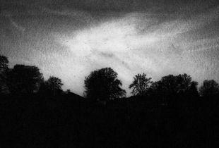 Under a dark sky / Dunkle Himmel