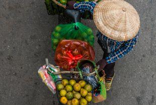 Streetsellers of Hanoi2