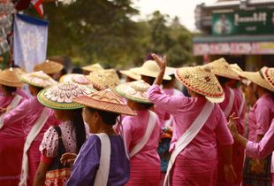 Hsipaw Festival for the Monks