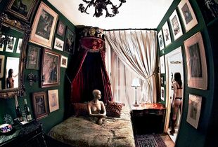 The House of the Dolls