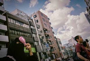 Tokyo heatwave. Asakusa tourist