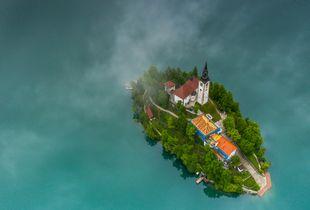Flowting island