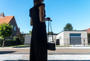Situations  11 - Black outfit, Blue sky
