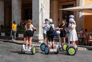 piazza navone  -lazy  tourists