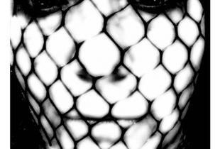 caged xxoo