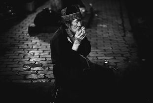Analog people in a digital world, Streets of Vietnam