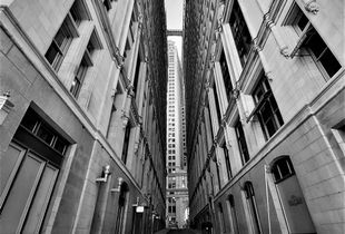 looking up Thames Street