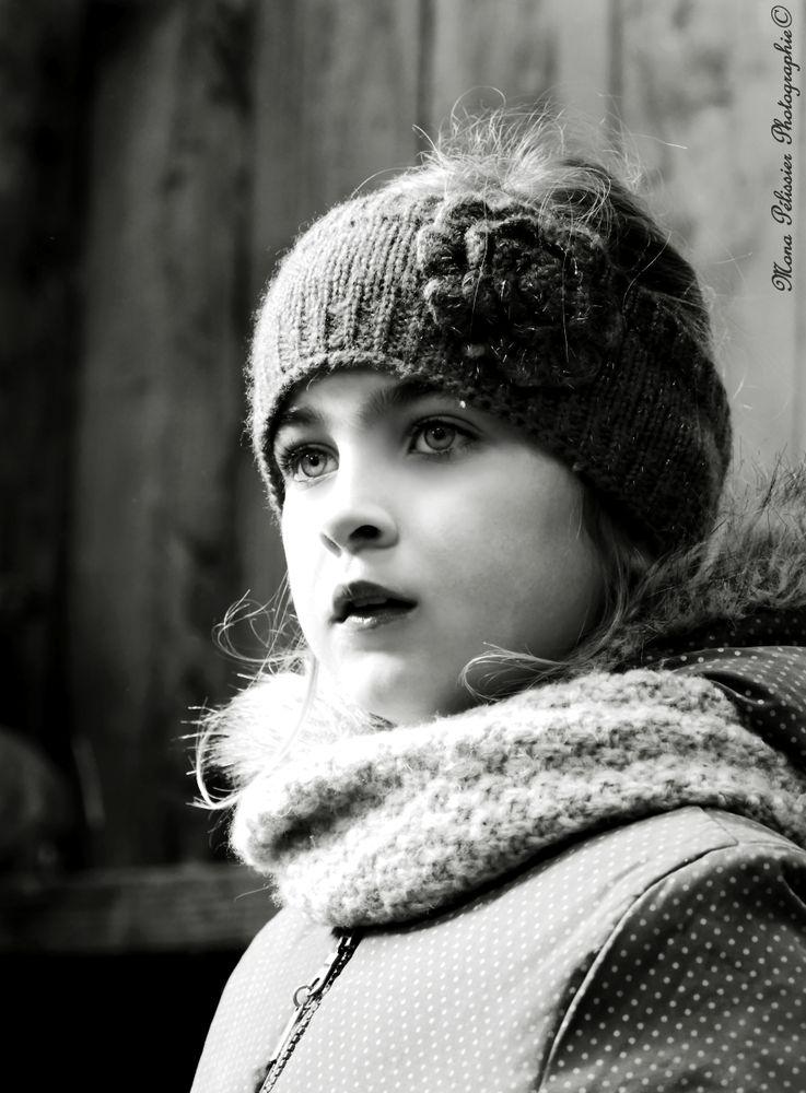 Mona Pélissier | Portrait Awards 2019 Entry