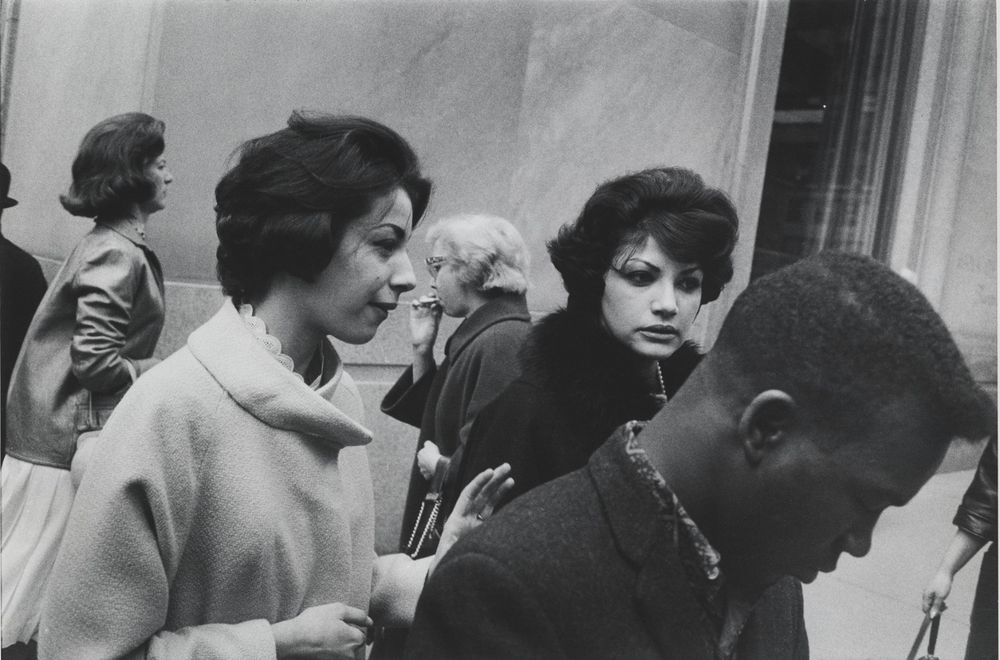 Garry Winogrand - Garry Winogrand: Visions of the Street | LensCulture