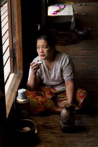 Lotus Weaver. Inle Lake, Myanmar (Burma)