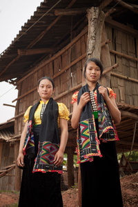 Xinh Mun young ladies in Son La Province