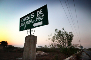 The road sign to arrive to the shelter home of Oasis for homosexual AIDS patients. © Meeri Koutaniemi