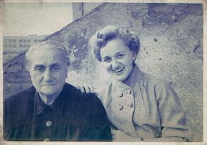 Flora Alsina (left) with her granddaughter