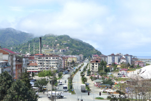 Arhavi city center, the right side of the avenue is a polder that  appeared  when the costal highway towards Georgia was built.