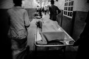 A petrol bomb victim's dead body was taken to Dhaka Medical Morgue.© Anik Rahman