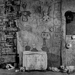 """Boarding House, 2008. From the series """"Boarding House"""" © Roger Ballen"""