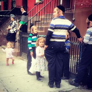 Street Dailies: Portraits of the Hasidic Community, Dekalb Avenue, 2016