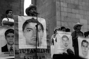 Agradecen el apoyo y reiteran su convicción de encontrar a sus hijos, así como de no permitir elecciones en Guerrero.