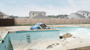 Untitled (swimming pool) © Hans Gindlesberger