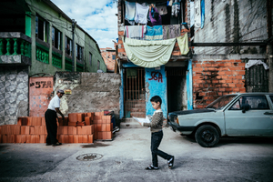Daily life in a slum in the surroundings of the Arena