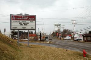 God Answers Knee-Mail!, Robinson Township, Pennsylvania, 2007