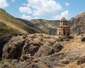 Khtskonk monastery, Digor