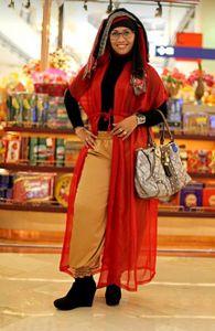 © Nafise Motlaq - Nor Azizah, Boutique Owner