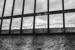 wall and barriers, Aspropyrgos, 2016